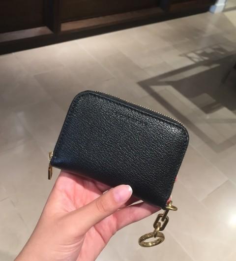 버버리 링크 디테일 지퍼어라운드 카드지갑 Burberry Link Detail Leather Ziparound Card Wallet 40750231